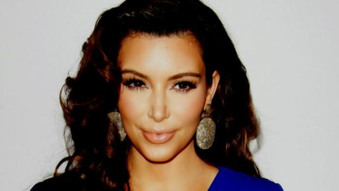 Kim Kardashian hace bikinazo en Tailandia