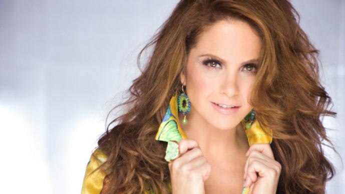 Lucero en video por aside! Very
