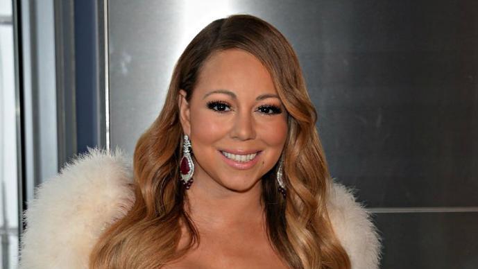 Mariah Carey llega en metro a evento en Nueva York
