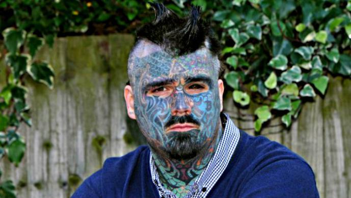 Le Niegan Pasaporte Al Hombre Más Tatuado Del Mundo El Gráfico