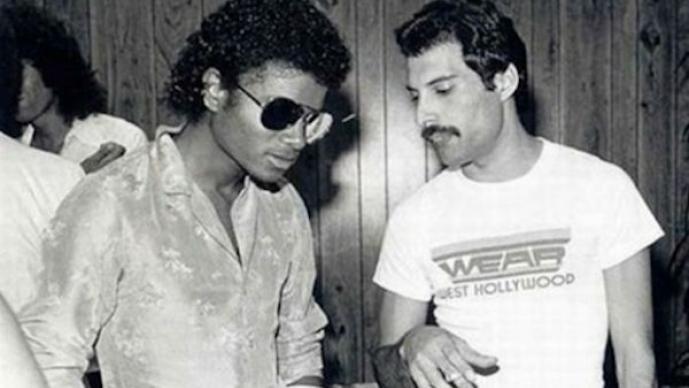 Michael Jackson y Freddy Mercury conviviendo en alguna reunión