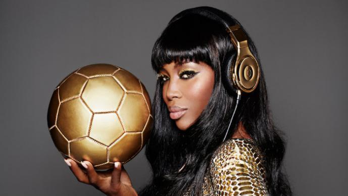 Naomi Campbell anuncia premio para Alemania por el Mundial