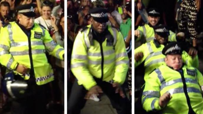 Notting Hill, Carnaval, policías