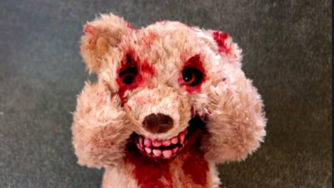 Oso de peluche sangriento