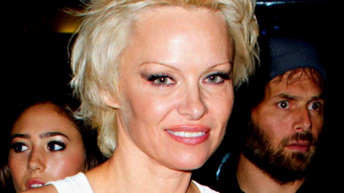Pamela Anderson y su radical cambio de look