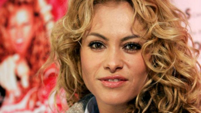 Paulina Rubio Luce Cuerpazo En La Playa El Gráfico Historias Y
