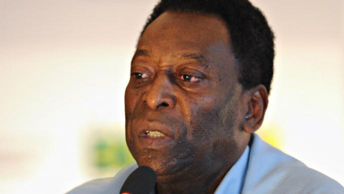 Pelé critica retrasos en estadios mundialistas