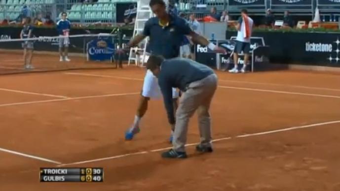 Viktor Troicki discute con el juez de silla en Masters 1000 de Roma