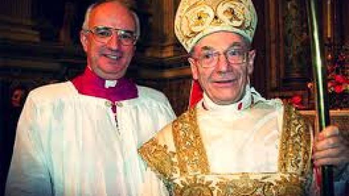 Sacerdotes en el Vaticano