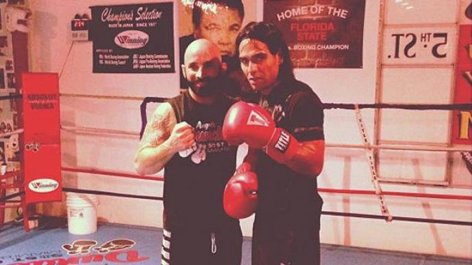 Radamel Falcao sobre el ring de box