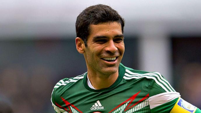 A Rafa Márquez le coquetean desde Italia