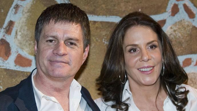 Alejandro Camacho, Rebecca Jones, divorcio