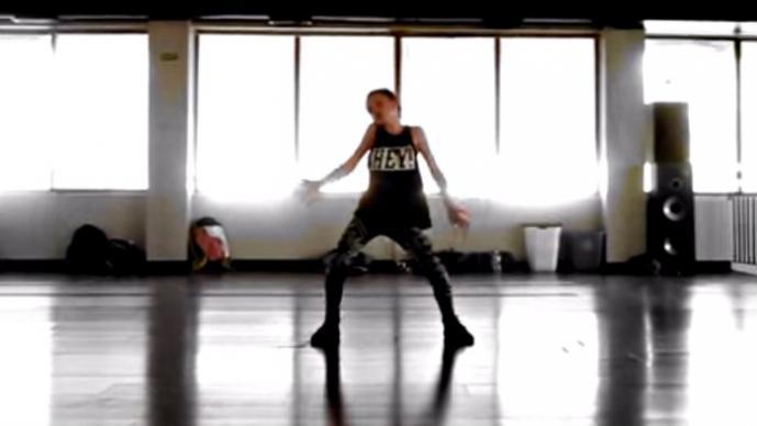 Niña de 11 años causa polémica por bailar como Nicki Minaj