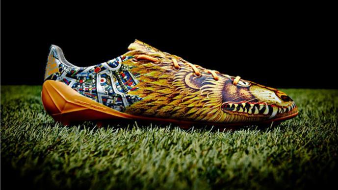 6af2cd4b38f03 Los zapatos de futbol más extraños de la historia