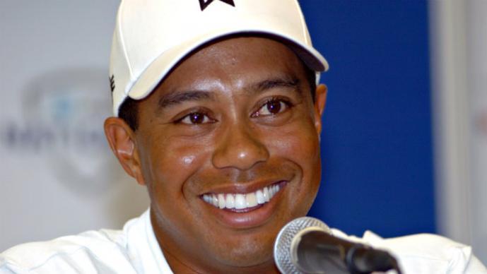 """Tiger Woods protagoniza """"trío"""" con su novia y su ex esposa"""