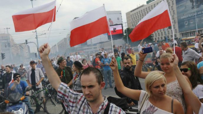 Varsovia se congeló por un minuto