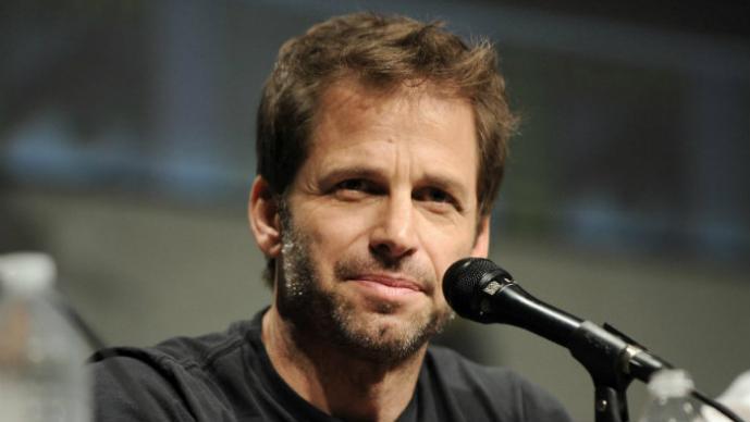 """Director de """"Batman vs. Superman"""" niega fotos filtradas del batimovil"""