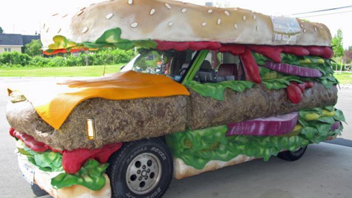 Auto, hamburguesa