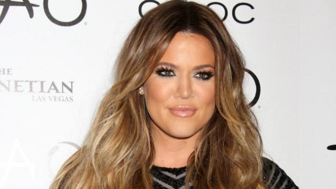 Khloé Kardashian presume enormes atributos
