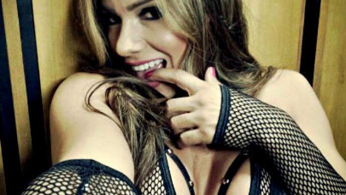 Actriz erótica posa para Playboy