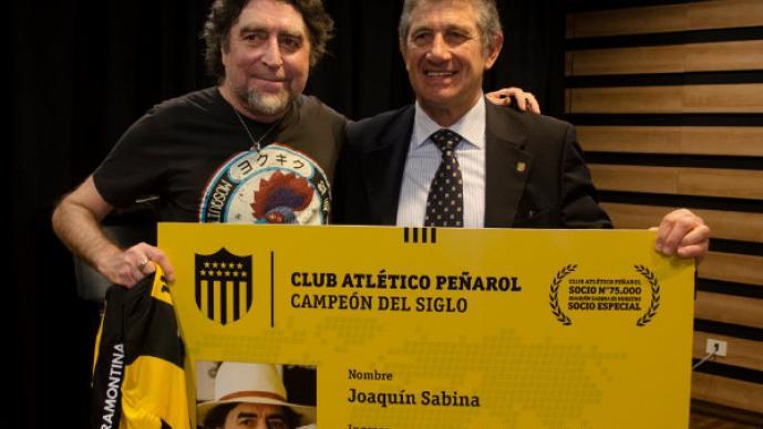 Joaquín Sabina es el social número 75 mil del Peñarol