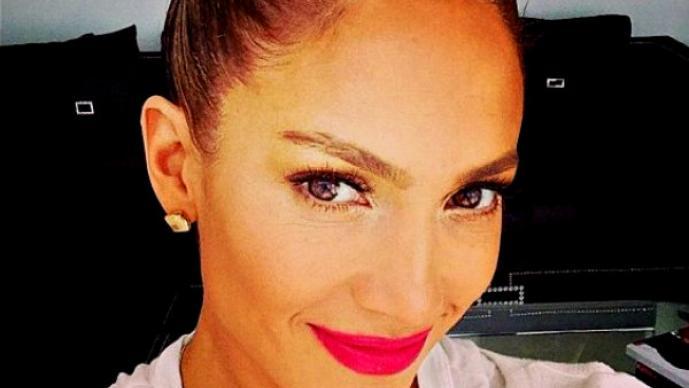 Jennifer Lopez pierde sus atributos traseros | FOTOS