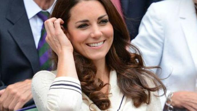 Kate Middleton, descuidos, accidentes, reales, falda, vestido