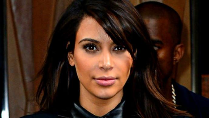 Kim Kardashian niega haberse casado en Twitter