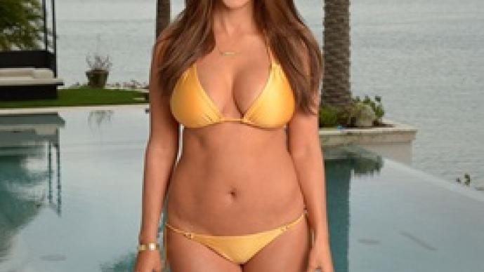 Kourtney Kardashian, fotografías, Kim Karadashian, Keeping Up with the Kardashians