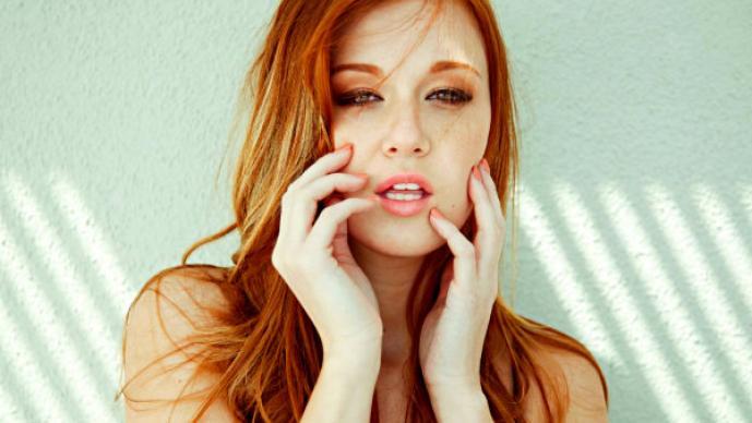 Leanna Decker, la pelirroja que te dejará sin aliento | GALERÍA