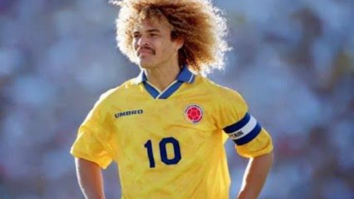 """""""El Pibe"""" Valderrama y los más exóticos futbolistas"""