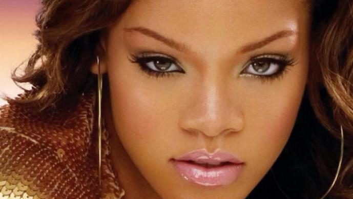 Rihanna muestra su lado más erótico en Italia