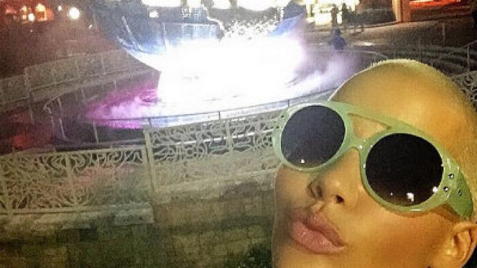 """Amber Rose y su """"selfies"""" de infarto"""