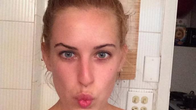 Hija pequeña de Bruce Willis se desnuda en Instagram