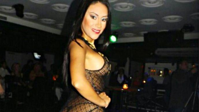"""Fan de """"CR7"""" sufre descuido en sexy baile"""