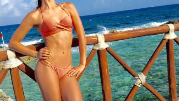 Esmeralda Ugalde enciende las playas con bikini