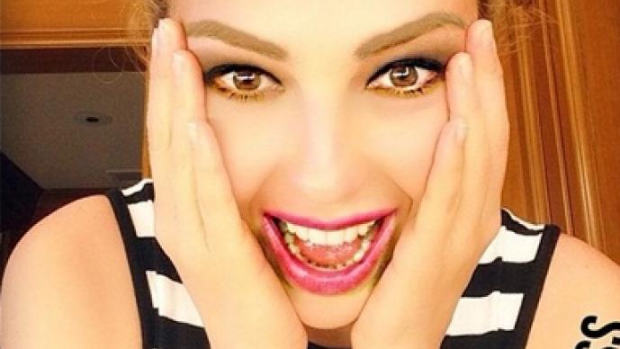 Thalía, Pelo rizado, chinitos, Marimar, Paulina Rubio, Chica Dorada, comparaciones