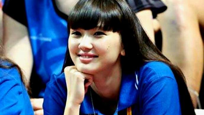 Altynbekova Sabina, una adolescente amante del voleibol