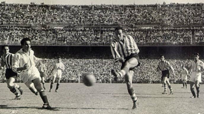 1.- Telmo Zarra anotó 251 goles en 277 partidos.