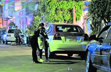 Plomean Taxista Edoméx Frente a su casa