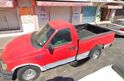 Asesinan a balazos a tres carniceros que se resistieron al asalto a su local, en Naucalpan