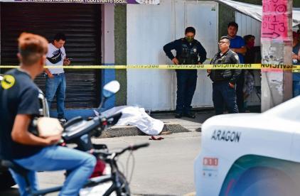 Doña Josefina iba al mercado cuando un asalto ajeno la dejó muerta, en la CDMX