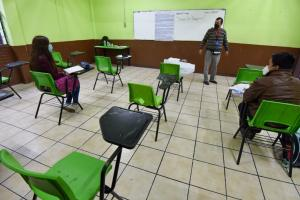 Cinco escuelas de CDMX cerraron y regresan a clases virtuales tras casos de Covid: SEP