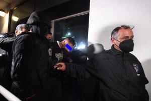 Diego N, agresor de Polly y Fernanda se entrega a la FGJCDMX, así fue trasladado al reclu