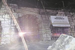 Derivado a los fuertes vientos, colapsan andamios del acueducto de San Carlos en Yautepec