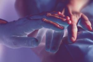 ¿Cómo explicarle a un niño la muerte de un ser querido? Solo tienes que hacer una cosa