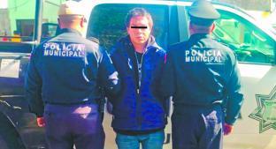 Capturan a delincuente luego de atracar a una mujer, en San Lorenzo Tepaltitlán. Noticias en tiempo real