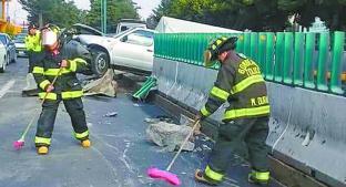 Camioneta provoca carambola con automóviles, en Paseo Tollocan. Noticias en tiempo real