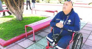 A pesar de sus dificultades, sigue ayudando en la Cruz Roja de Toluca. Noticias en tiempo real