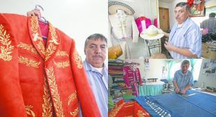 Tres décadas orgulloso de diseñar trajes de mariachi, en Calimaya . Noticias en tiempo real